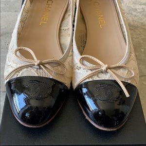 Chanel lace flats 39.5